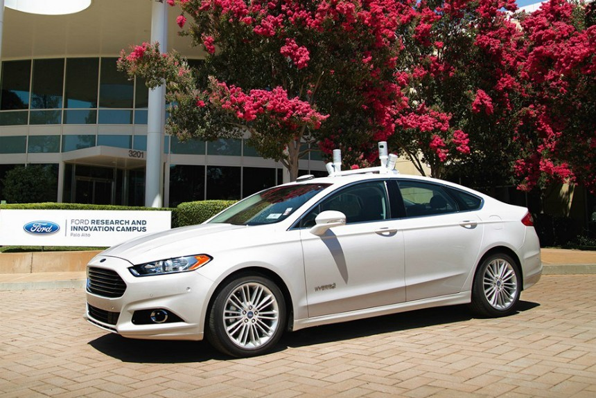Форд планирует начать выпуск беспилотных авто к 2021