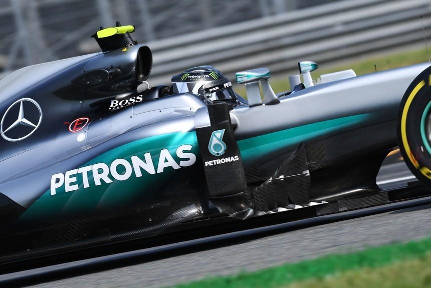 Хэмилтон одержал победу последнюю тренировку перед стартом Гран-при Италии