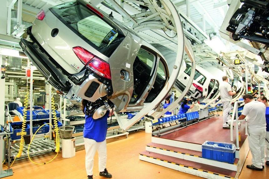 VW ожидают массовые сокращения из-за перехода наэлектромобили