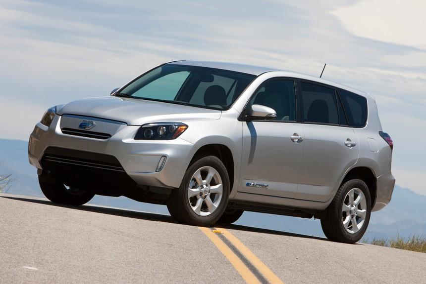 Toyota планирует запустить массовое производство электромобилей к2020 году