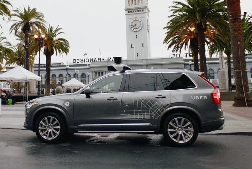 Власти Калифорнии потребовали отUber прекратить эксперимент сбеспилотными такси