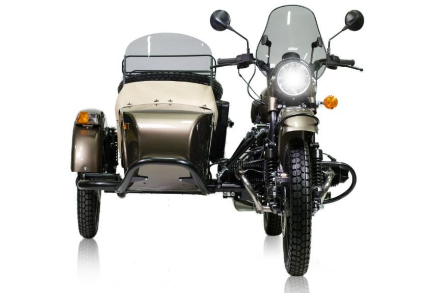 Мотоцикл «Урал» укомплектовали водкой иконсервами