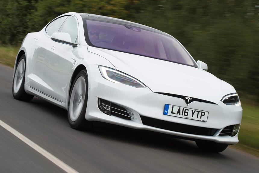 Самую доступную Tesla Model Sсняли спродаж