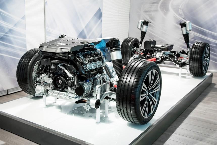 Новый Ауди A8 снабдят гибридной установкой уже вбазовой версии