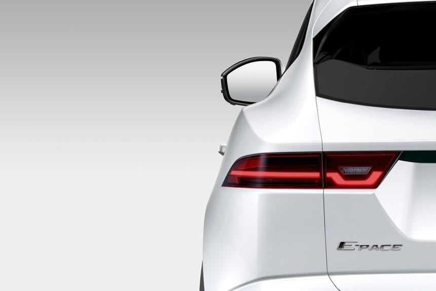 Компактный кроссовер Jaguar E Pace готовится к дебюту