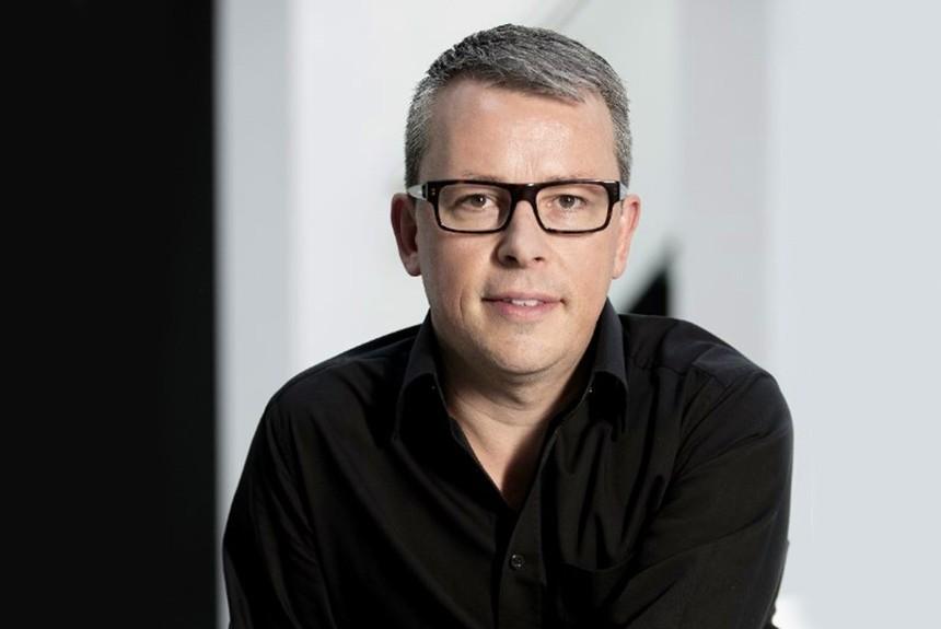 Бывший дизайнер BMW стал новым директором постилю Kia Motors class=