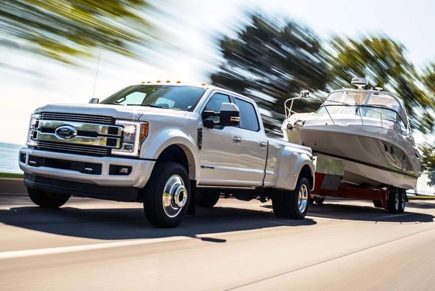 Форд сделал серию роскошных фургонов поцене S-класса