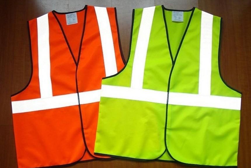 Новый пункт ПДД световозвращающие жилеты для водителей