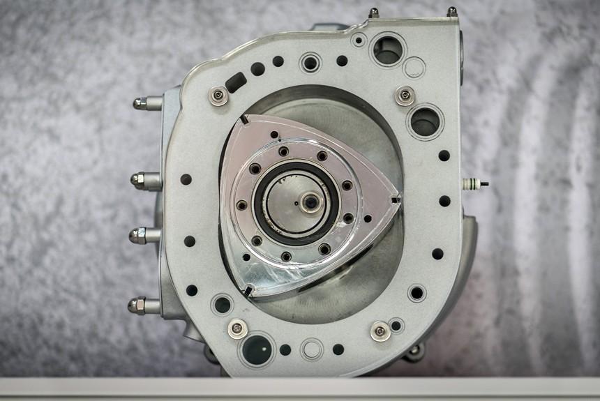 Электромобили Тоёта получат роторные двигатели Мазда