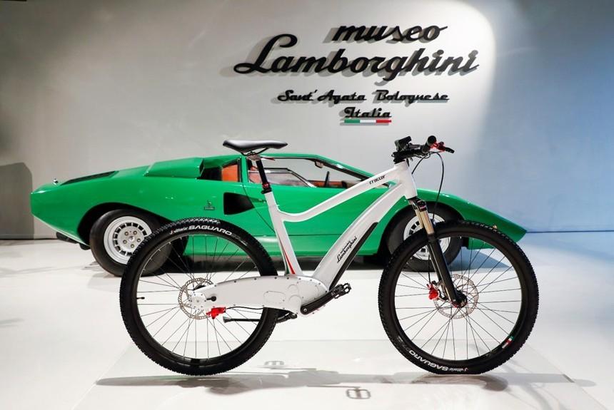 Весной стартуют продажи электрического велосипеда Lamborghini