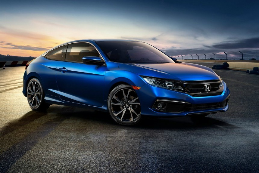 Обновленная Honda Civic: макияж и ассистенты в стандарте