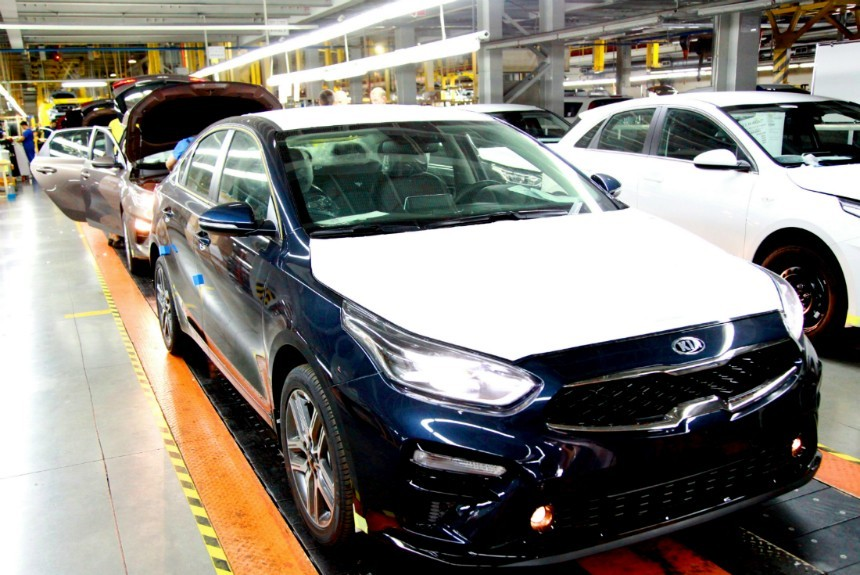 «Автотор» начал выпускать Кия Cerato обновленного поколения