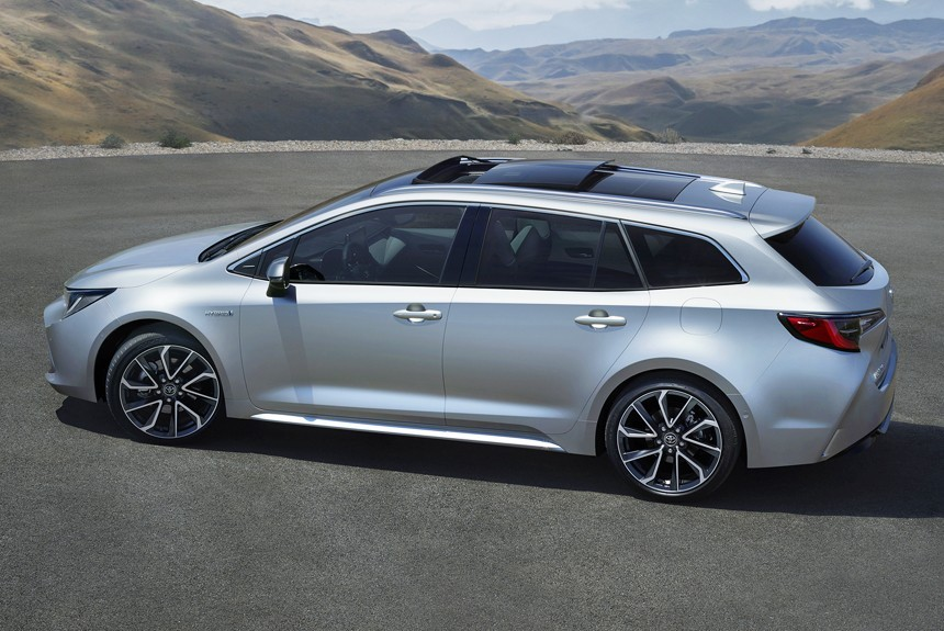Тоёта представила новый универсал Corolla