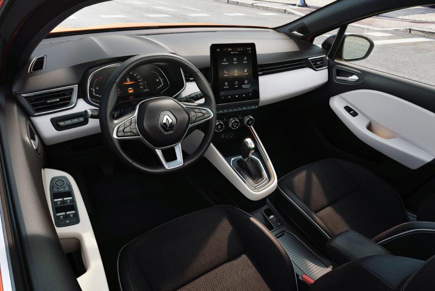 Новый Renault Clio: пока только интерьер