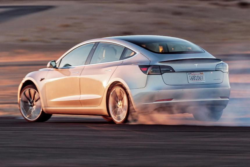 Tesla и Panasonic могут заморозить расширение фабрики батарей