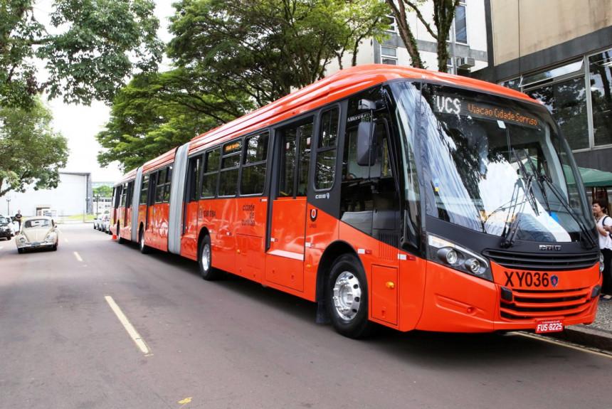 Scania поставила трехзвенные автобусы в бразильскую Куритибу