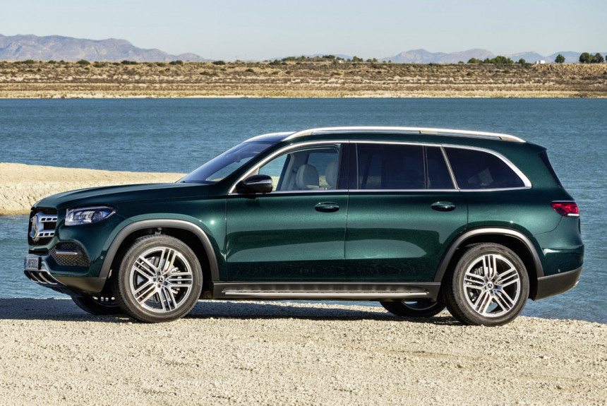 Новый Mercedes GLS: версии для России