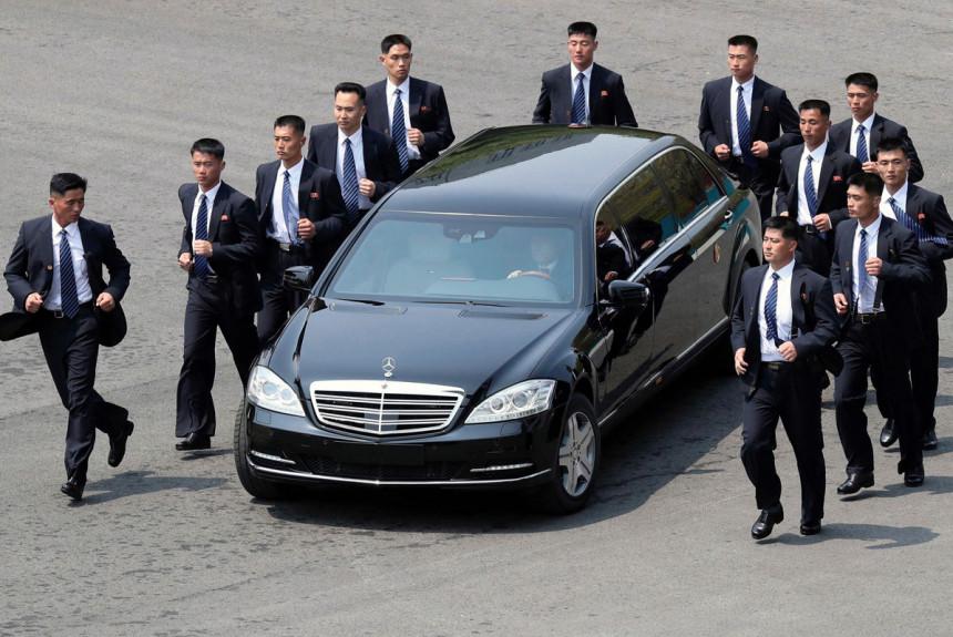 Daimler не в курсе, где Ким Чен Ын взял свои Мерседесы