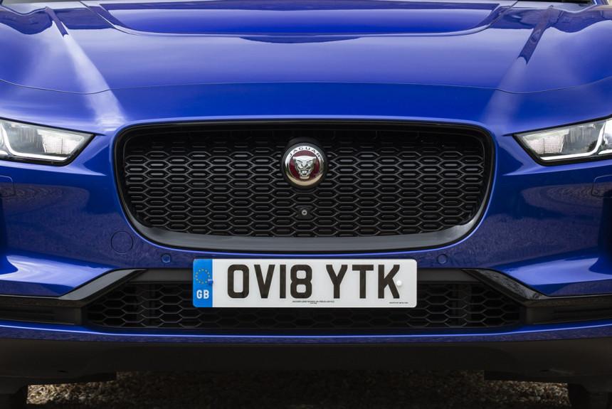 Jaguar XJ и Range Rover: одна платформа, бензин и электричество