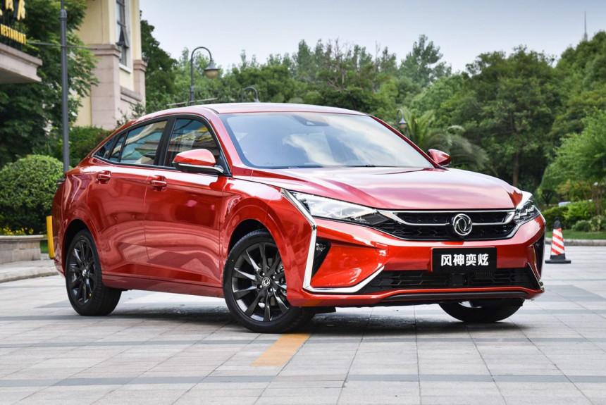 Седан Dongfeng Aeolus Yixuan: брат Корсы и Peugeot 208