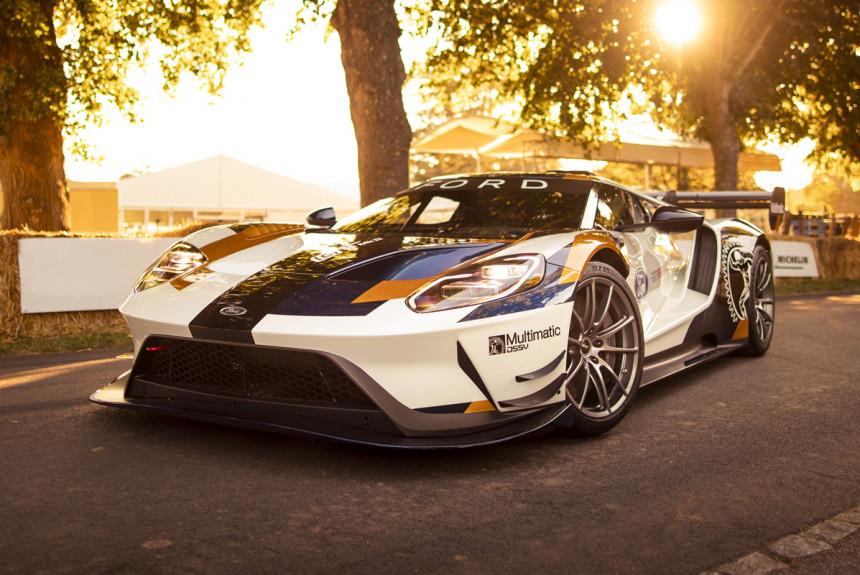 Форд продемонстрировал «выходящий зарамки» суперкар
