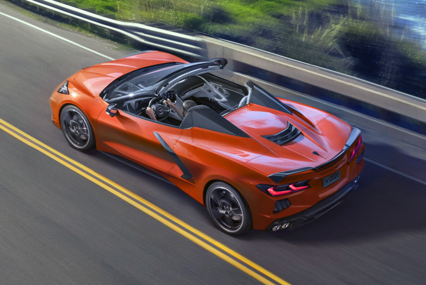 Chevrolet Corvette впервые стал купе-родстером
