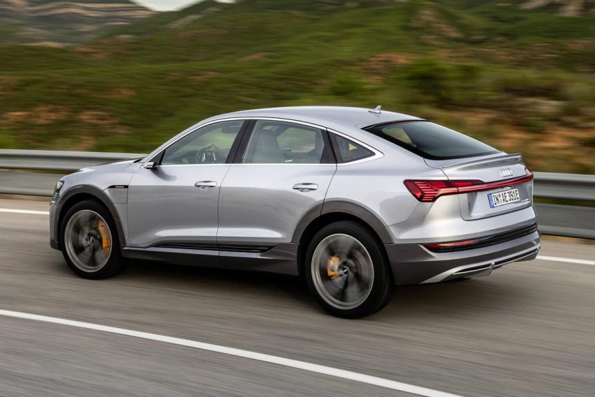 Представлен серийный кроссовер Audi e-tron Sportback