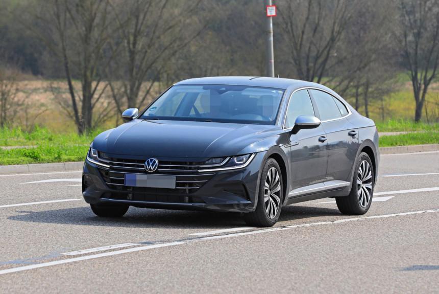 Обновленный Volkswagen Arteon предстал почти без камуфляжа