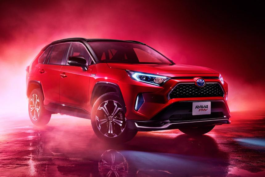 Подзаряжаемая Toyota RAV4 PHV: подробности