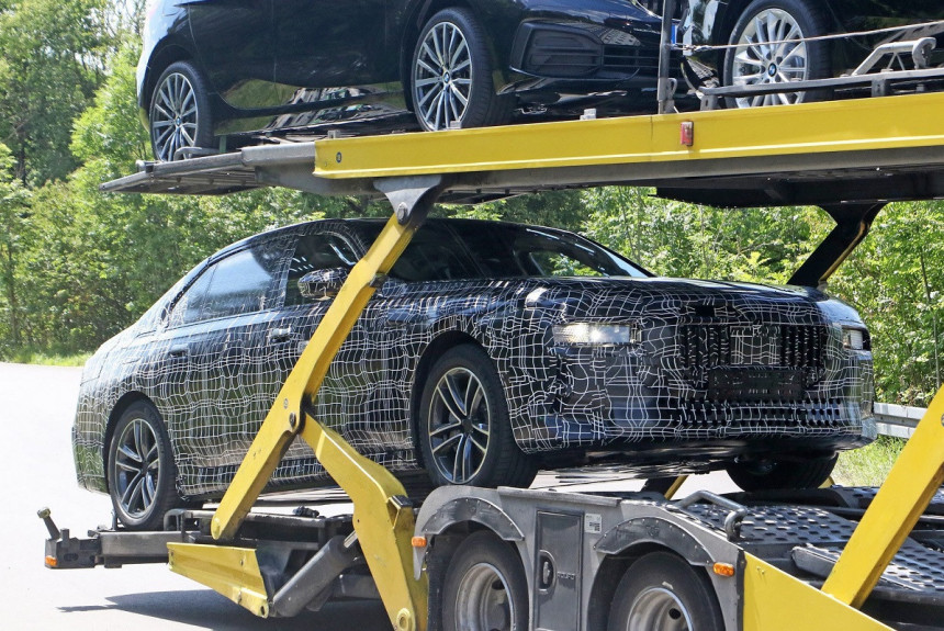 Будущий BMW седьмой серии: первые шпионские фото
