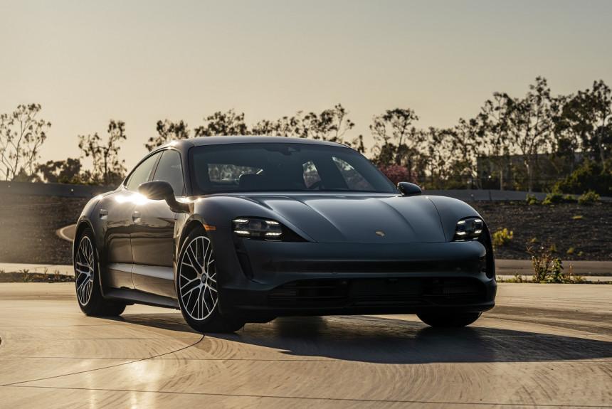 Porsche Taycan доработан через год после дебюта