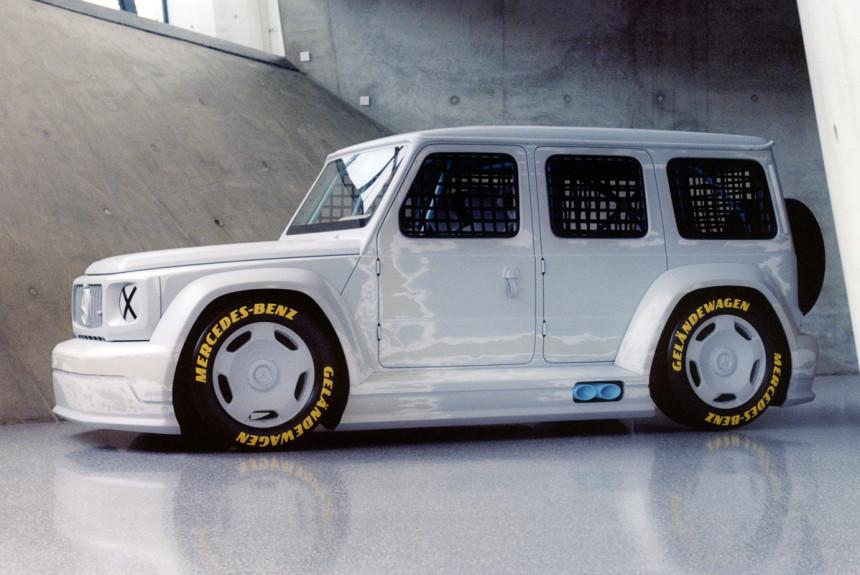 Кольцевой Mercedes G-класса представлен как арт-объект