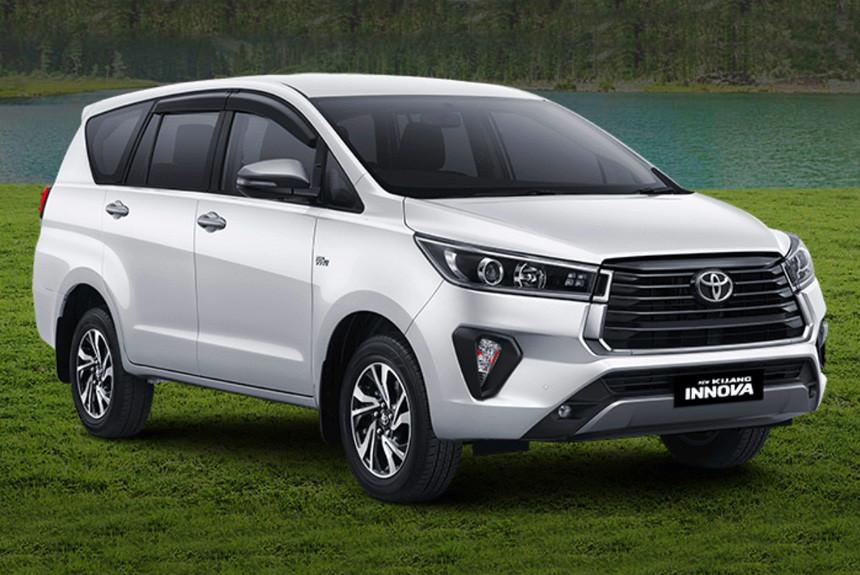 Обновлен рамный минивэн Toyota Kijang Innova
