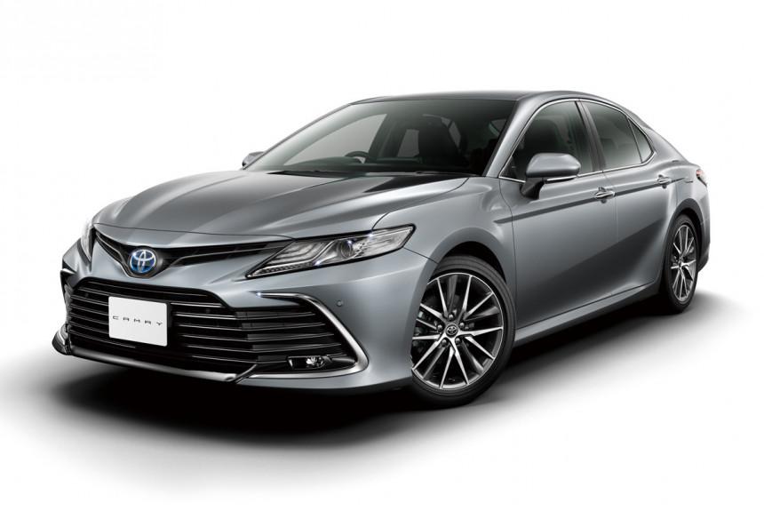 Обновленная Toyota Camry: версии для Японии