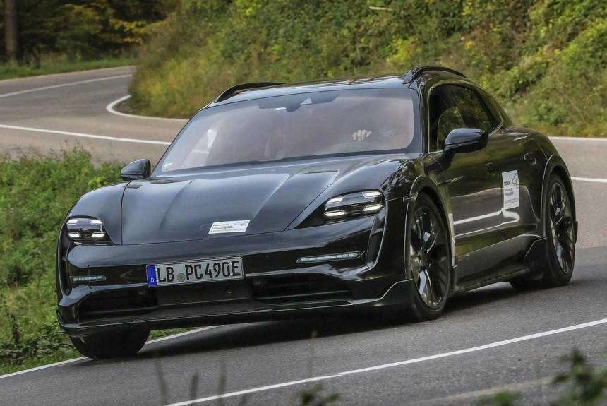 Универсал Porsche Taycan Cross Turismo: первые официальные фото