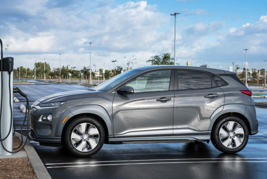 Hyundai заменит аккумуляторы у 82 тысяч электромобилей