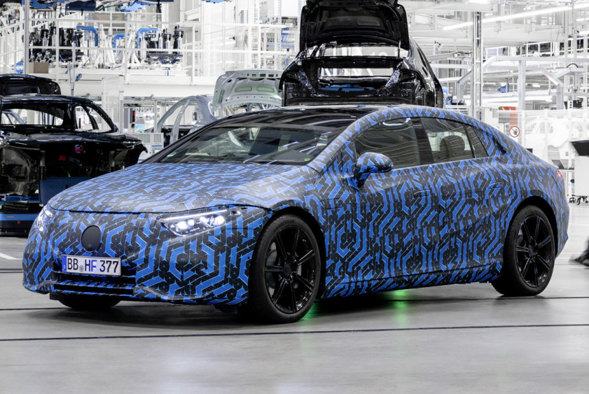Электромобиль Mercedes-Benz EQS выйдет в четырех версиях