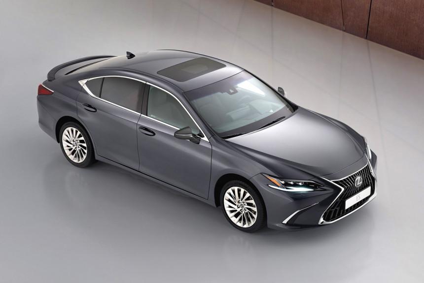 Обновленный седан Lexus ES: тачскрин и вариатор