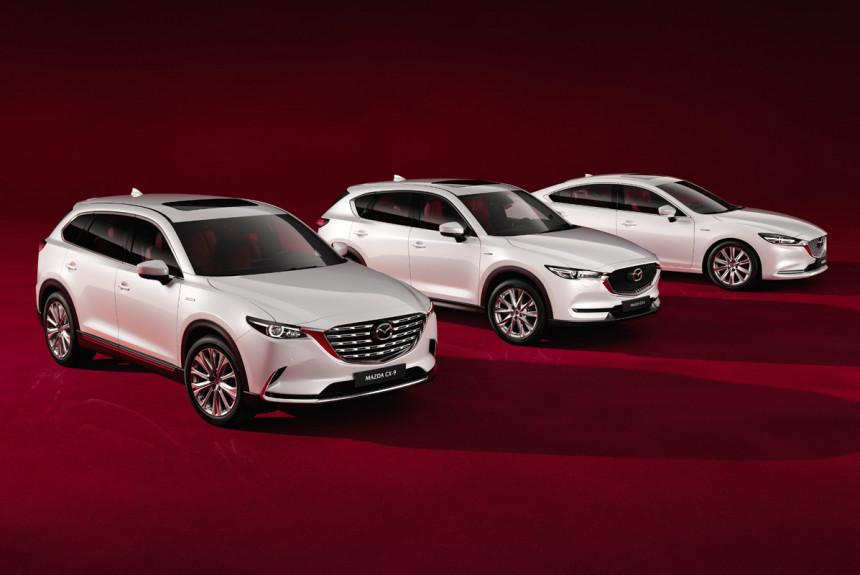 В России появились юбилейные версии автомобилей Mazda