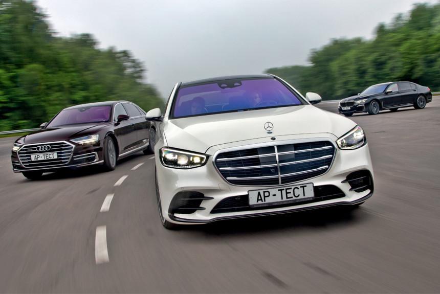 Новый Mercedes S-класса против Audi A8 и «семерки» BMW: разгром или ничья?