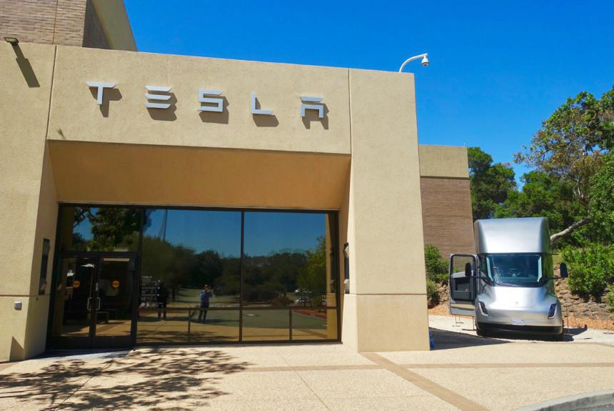 Tesla перевезет штаб-квартиру из Калифорнии в Техас