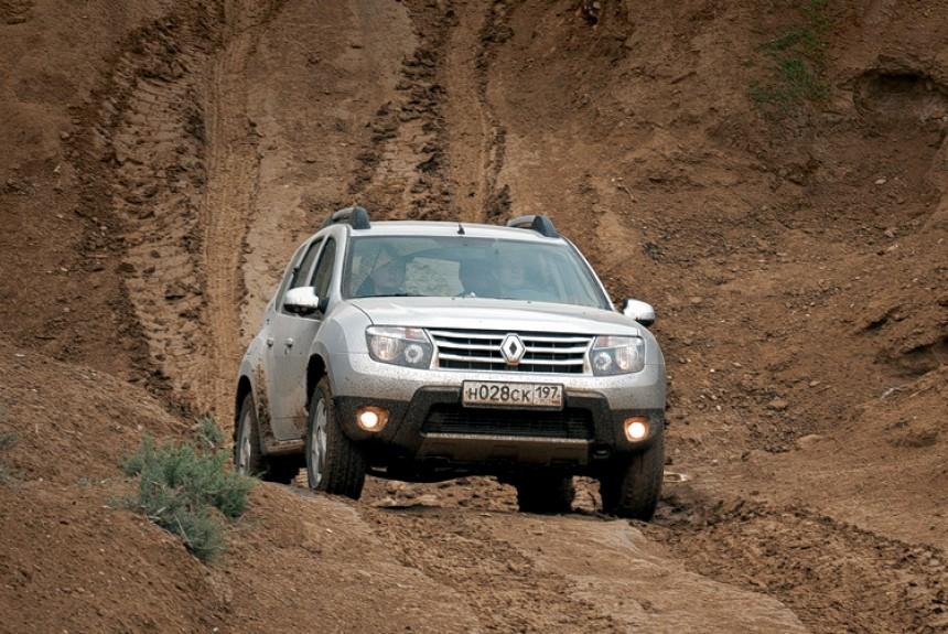 Павел Карин отправился в Азербайджан, чтобы поездить на кроссовере Renault Duster с дизелем