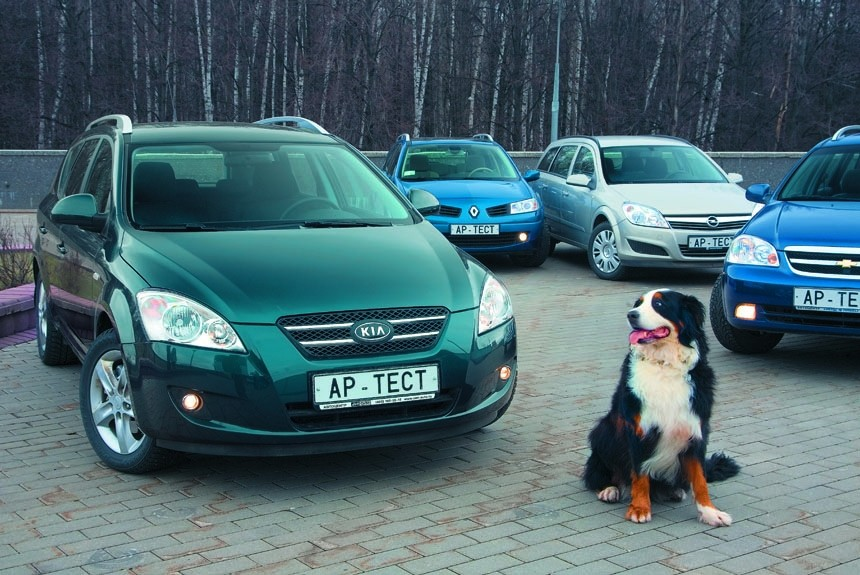 Кiа cee'd Sporty Wagon, Chevrolet Lacetti Station Wagon, Opel Astra Caravan или Renault Megane Estate?