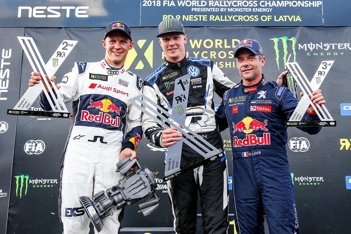 Серебро позволило Маттиасу Экстрёму (слева) подняться на вторую строчку в личном зачете серии