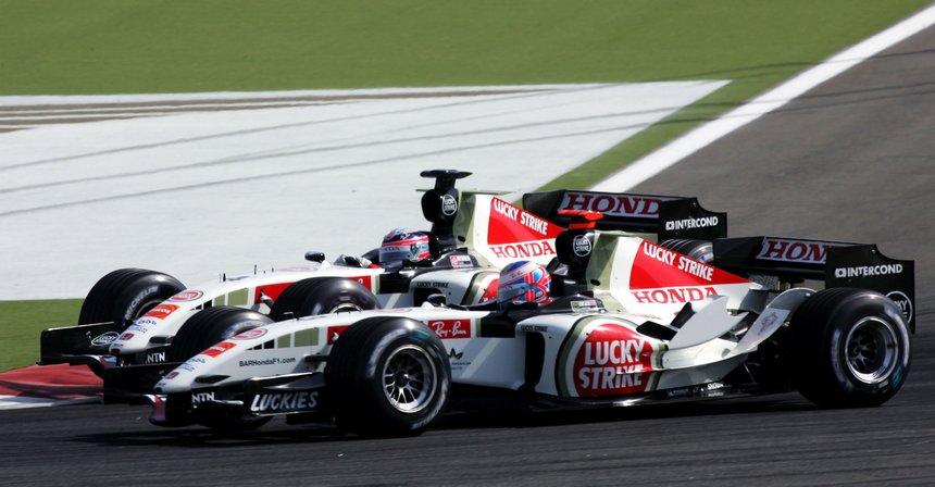 МакЛарен расстается с Хонда ипереходит на двигатели Рэно