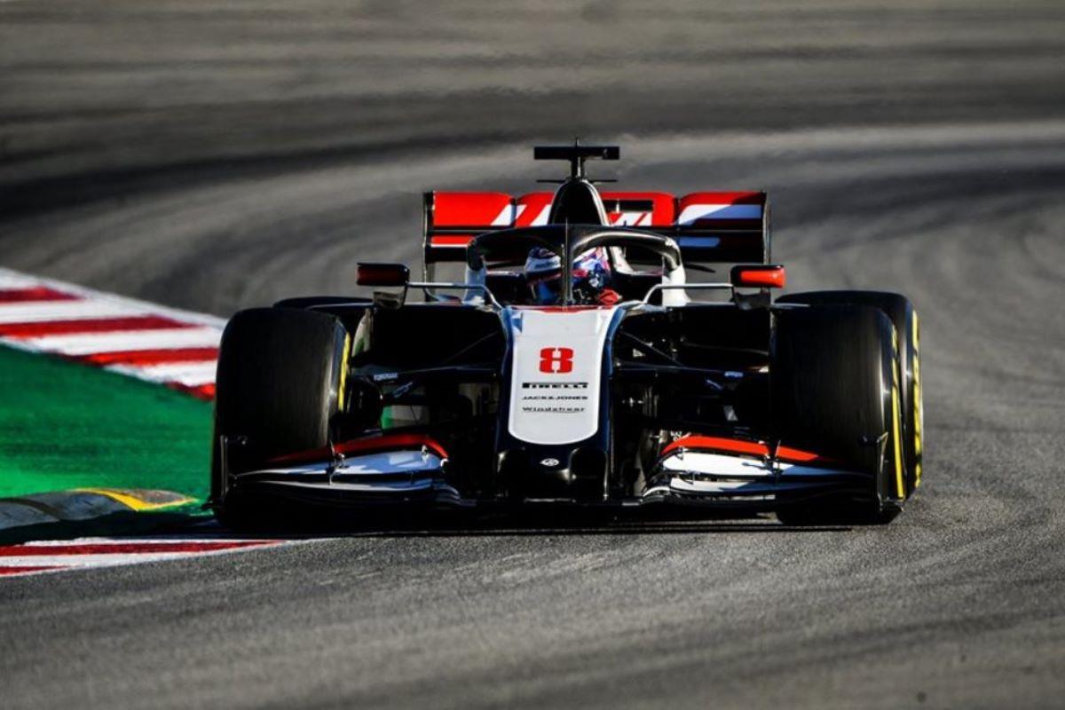 Розовый Mercedes и стильный экс Toro Rosso: знакомимся с новыми болидами Формулы-1