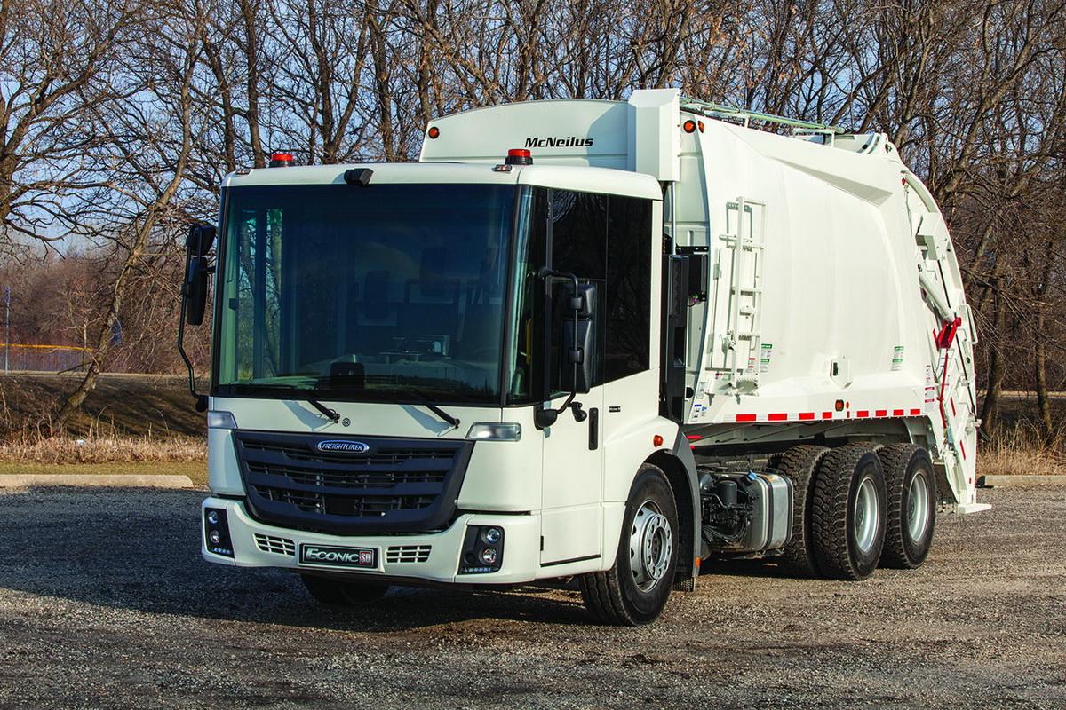 Mercedes Econic получит новейшую модификацию вАмерике под брендом Freightliner