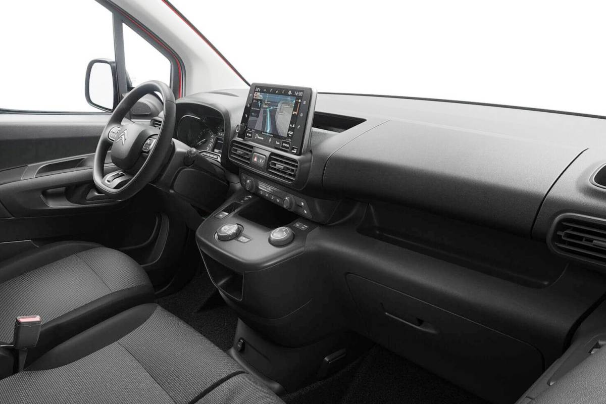 Opel и Citroen внутри можно различить лишь по эмблемам на руле