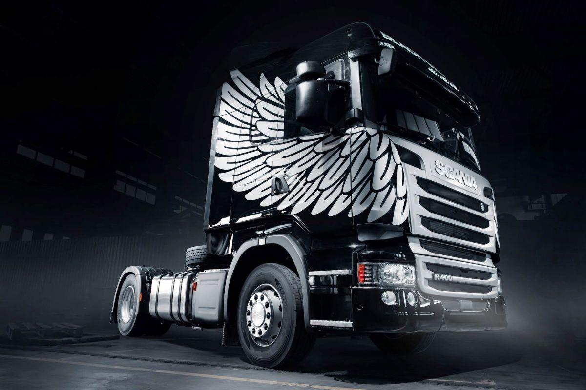 грифон с айпадом Scania представила в россии прощальную