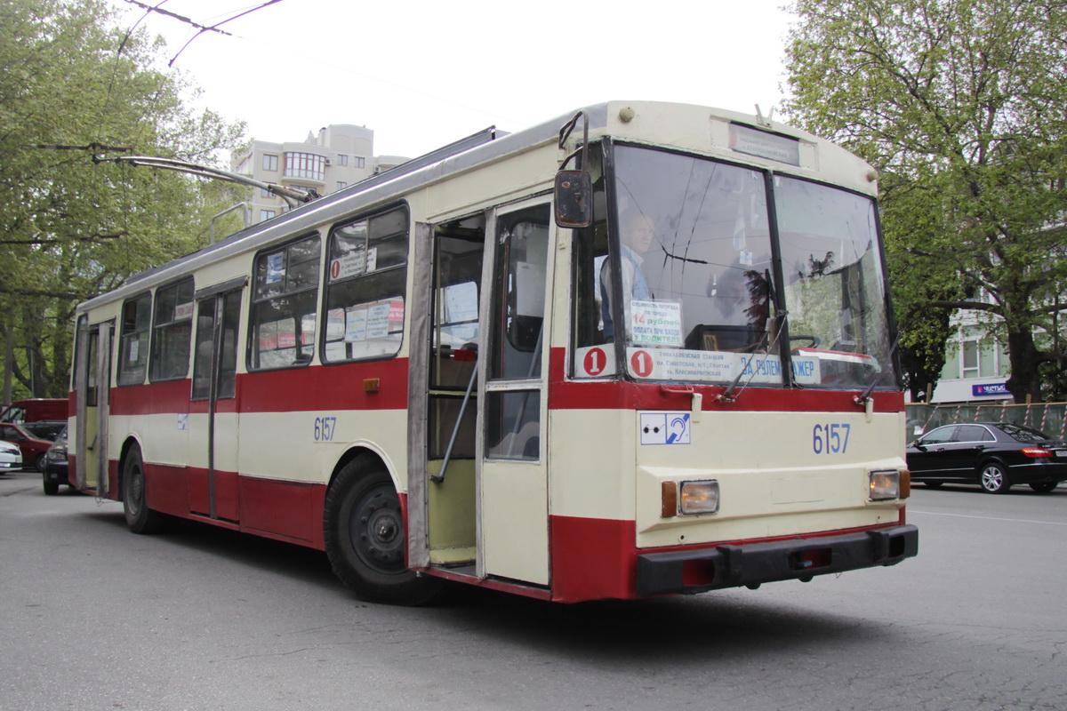 Старые Шкоды все еще попадаются, но уже не на межгороде. Как и редкие за пределами Москвы машины СВАРЗ в МАЗ-овском кузове
